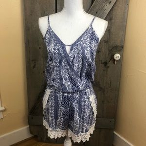 Ocean Drive Blue/white Lace Detail Romper Size Med